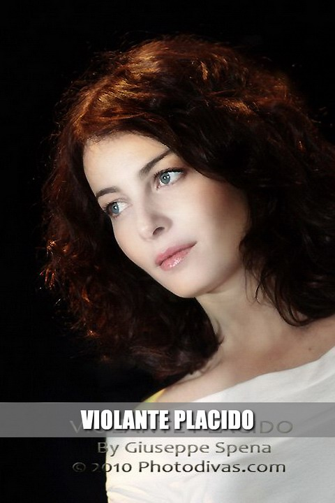 Violante Placido
